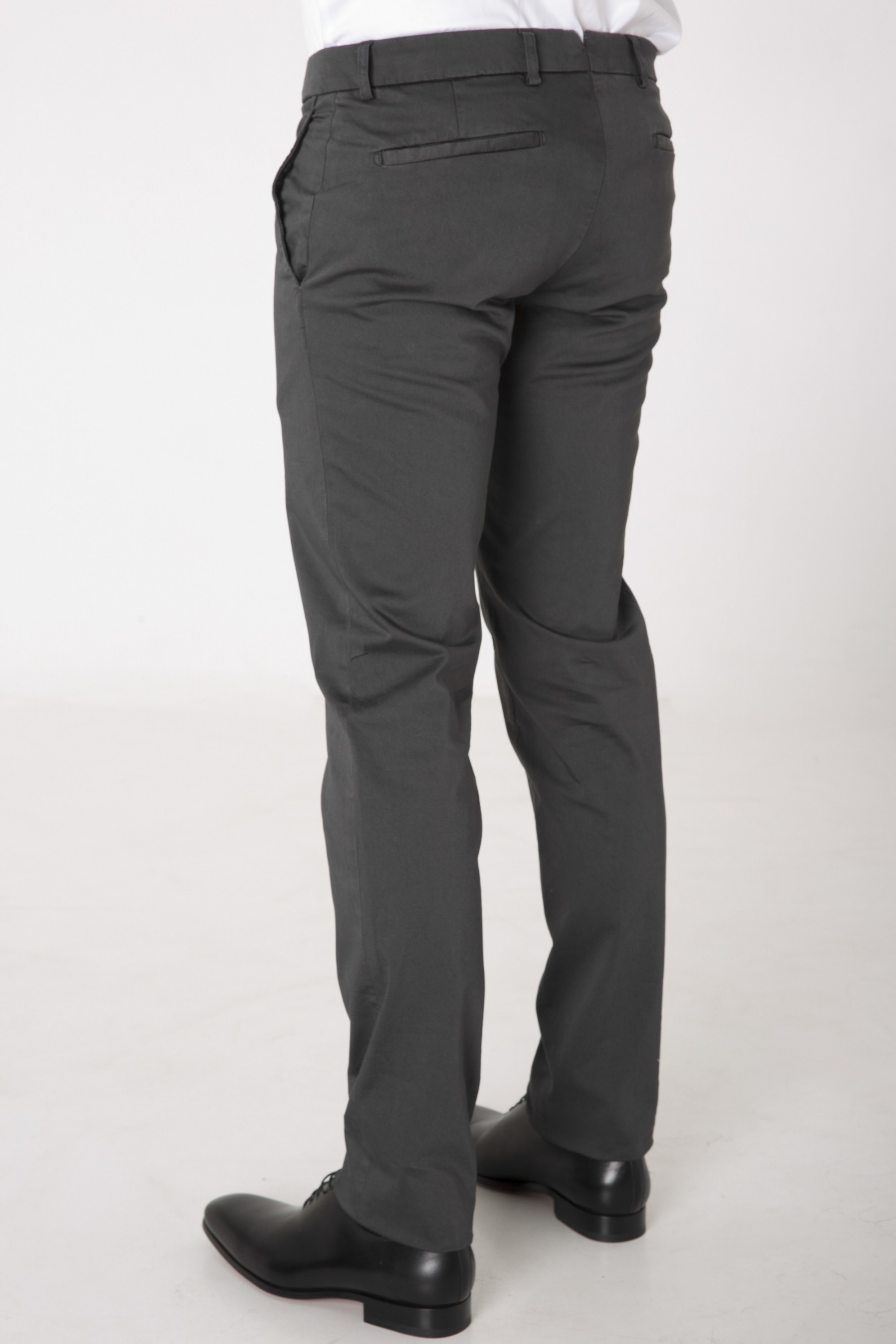 pantalons chino homme chino gris anthracite homme. Black Bedroom Furniture Sets. Home Design Ideas