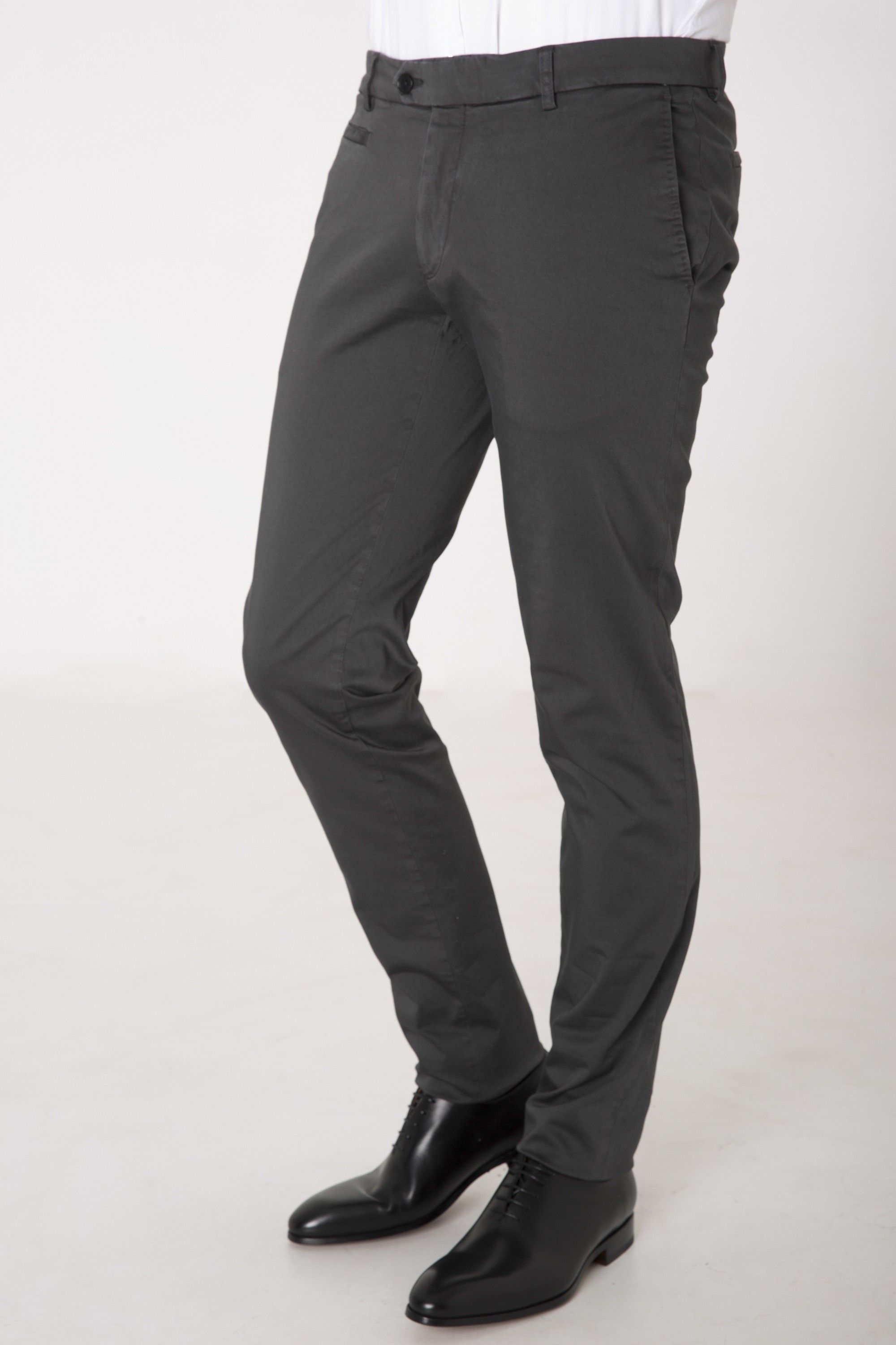 Chino Homme couleur Gris Anthracite DANYBERD